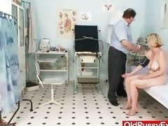 Hirsute cookie lady Tamara embarrassing doctor exam