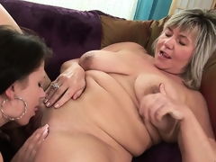 Old hooker can't live without to lick the nipples and the clit of a youthful cutie